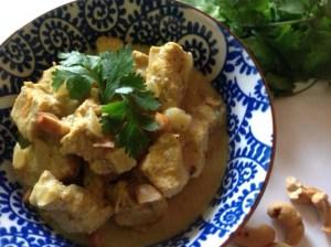 frango ao curry com castanhas
